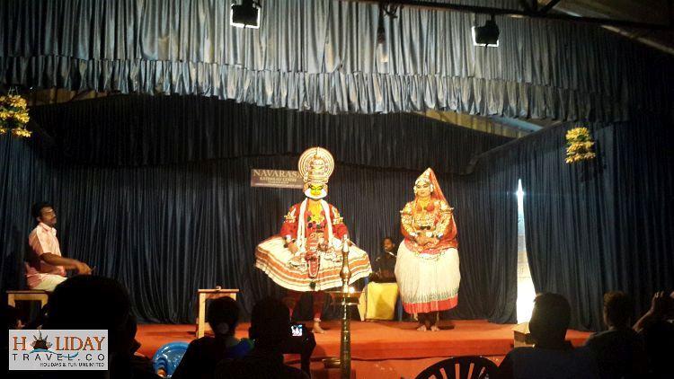 Periyar-Kathkali-Dancers-Performing-Thekkady