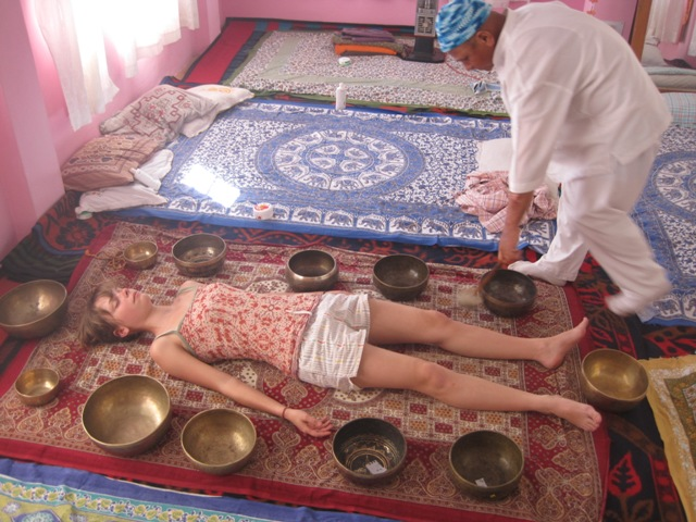 SingingBowl_Therapy_Mcleodganj