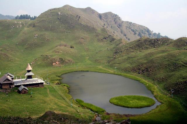 Stunning_MostBeautiful_MountainTopLake_Parasharlake_Himachal