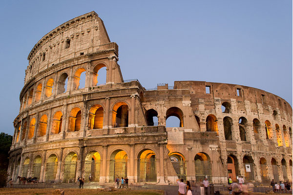 a history of the colosseum in rome Colosseum facts - the colosseum is a huge open auditorium or amphitheater in the center of rome, italy.