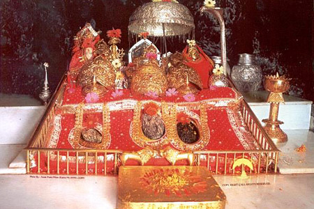 Vaishno-Devi-Live-Darshan-Holidaytravel.co