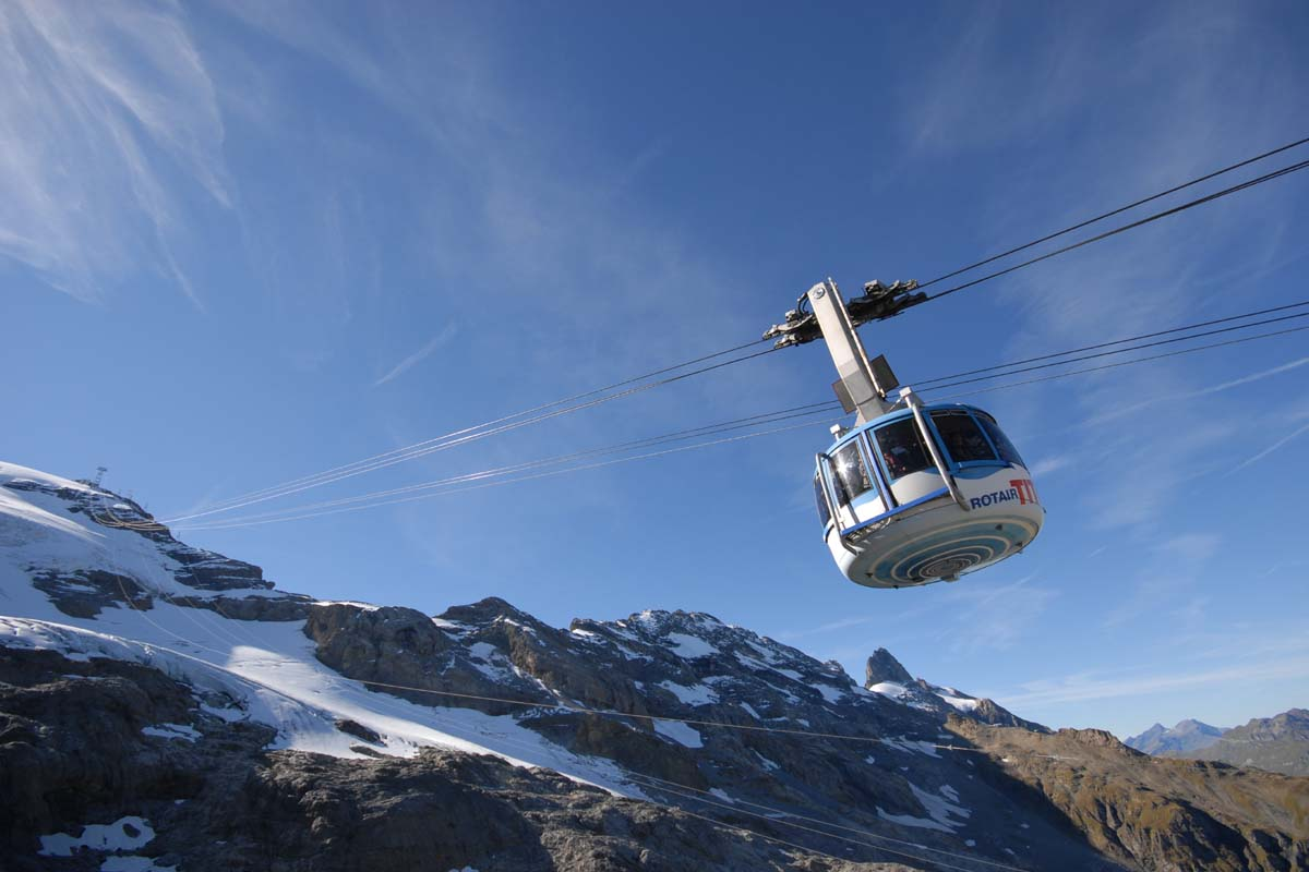 Visit Mt.Titlis in the world's first revolving cable car