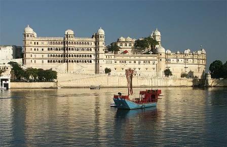 udaipur_lake_palace1